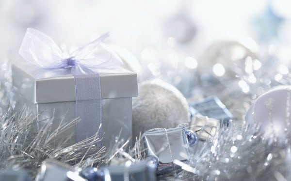 Silver-Christmas-Gift-Boxes-600x375